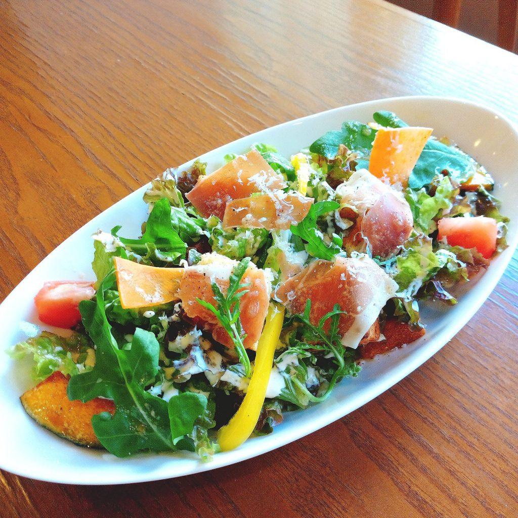 彩り野菜のシフォンサラダ